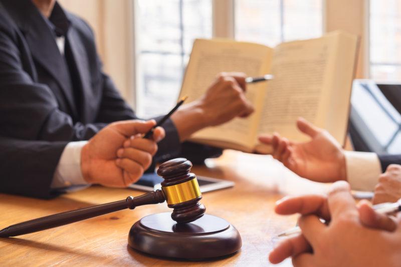 Почему вторым образованием стоит выбрать юридическое